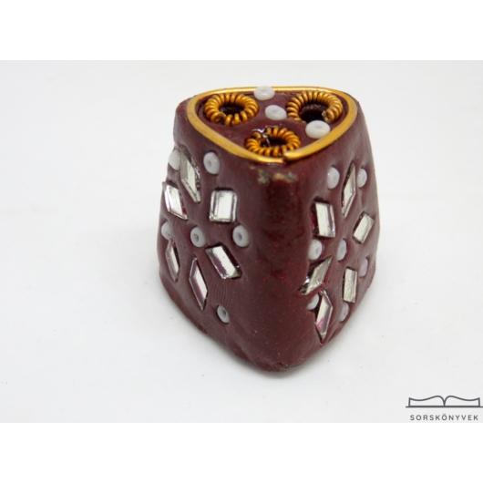 Kézműves füstölőtartó kőből barna