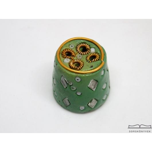 Kézműves füstölőtartó kőből zöld